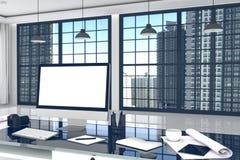 rappresentazione 3D: illustrazione vicina su del desktop creativo dell'ufficio del progettista con il computer in bianco, tastier Fotografia Stock Libera da Diritti