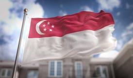 Rappresentazione della bandiera 3D di Singapore sul fondo della costruzione del cielo blu Fotografia Stock Libera da Diritti