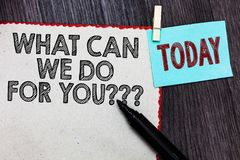 Rappresentazione della nota di scrittura che cosa può noi fare per voi la domanda di domanda di domanda La foto di affari che mon fotografie stock libere da diritti