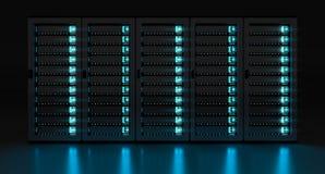 Rappresentazione scura di stoccaggio 3D del centro dati della stanza del server Fotografie Stock