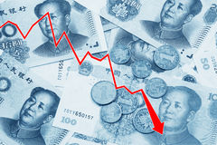 Rappresenti graficamente la mostra del declino degli yuan cinesi Fotografia Stock