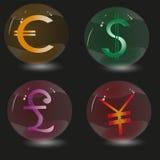 Rappresenti quattro sfere di vetro e firma le valute nel mondo Fotografia Stock