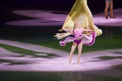 Rapunzel tanzt in Disney auf Eis Stockbilder