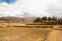 Raqchi arkeologisk plats för Inca i Cusco, Peru (fördärva av templet av Wiracocha), på Chacha, Amerika arkivfoton