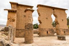 Raqchi arkeologisk plats för Inca i Cusco, Peru Ruin av templet på Chacha, Sydamerika arkivfoton