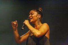 Raquel Tavares konstnär som utför på musikfestival royaltyfri foto