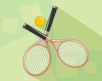 Raquetas y bola de tenis Imagen de archivo