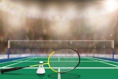 Raquete e peteca de badminton na arena com espaço da cópia Foto de Stock Royalty Free