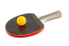 Raquette avec une boule orange pour le ping-pong Image stock