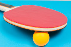 Raquette de ping-pong Photos stock