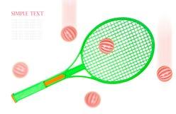 Raquette et boules de tennis verte d'isolement sur le fond blanc Photo stock