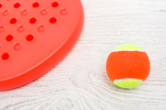 Raquettes et boule de tennis de palette Images stock