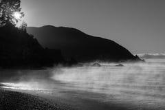 Rarangi海滩的黑白图象 免版税库存图片