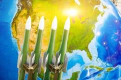 Rasa bronie, jądrowe bronie zagrożenie wojna w świacie Rakiety w tle Północna Ameryka obrazy stock
