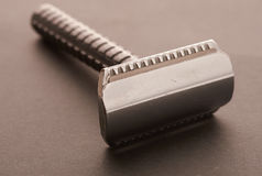 Rasage des outils sur une table photos stock