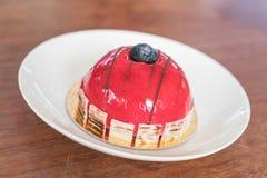 rasberry蛋糕的奶油甜点 库存图片