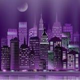 Rascacielos abstractos del paisaje urbano de la noche del vector con la reflexión Imagen de archivo libre de regalías
