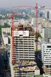 Rascacielos bajo construcción fotos de archivo