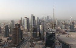 Rascacielos céntricos en Dubai Fotos de archivo