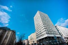Rascacielos clásico de la oficina de Kiev en el centro de la ciudad fotos de archivo