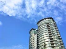 Rascacielos contra el cielo Foto de archivo