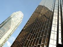 Rascacielos corporativo brillante Imágenes de archivo libres de regalías