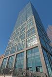 Rascacielos de Alliance en la diversión del río Imágenes de archivo libres de regalías