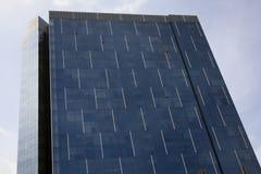 Rascacielos de cristal moderno Imagenes de archivo