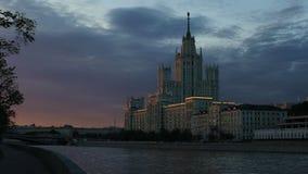 Rascacielos de la arquitectura estalinista, Rusia almacen de metraje de vídeo