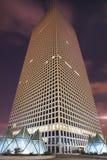 Rascacielos de la forma triangular inusual Fotografía de archivo libre de regalías