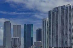 Rascacielos de Miami céntrica, en la Florida, los E.E.U.U. imagen de archivo