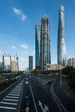 Rascacielos de Shangai en el distrito financiero de Lujiazui Shangai en S Imagen de archivo libre de regalías