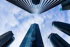 Rascacielos de Toronto en fondo del cielo fotos de archivo libres de regalías