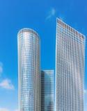 Rascacielos del edificio en Tel Aviv Foto de archivo libre de regalías