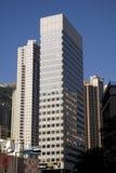 Rascacielos del horizonte de Hong Kong Central Financial Centre del término de la tranvía del pico del edificio de St John Fotos de archivo