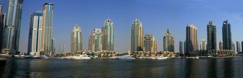 Rascacielos del puerto deportivo de Dubai Fotografía de archivo libre de regalías