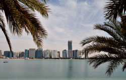 Rascacielos en Abu Dhabi Foto de archivo