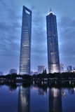 Rascacielos en el pudong del districto de Shangai Foto de archivo libre de regalías