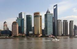 Rascacielos en Pudong, Shangai Fotos de archivo libres de regalías
