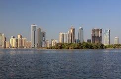 Rascacielos en Sharja. imagenes de archivo