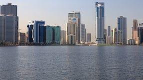 Rascacielos en Sharja. foto de archivo
