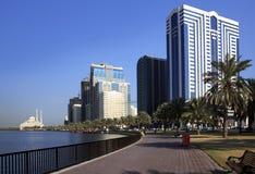 Rascacielos en Sharja. Fotos de archivo libres de regalías