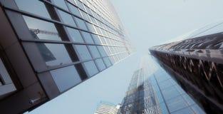 Rascacielos moderno de los edificios de oficinas en la ciudad de Londres imagen de archivo