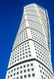 Rascacielos moderno de torneado del neo-futurista del torso en Malmö fotografía de archivo libre de regalías