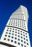 Rascacielos moderno de torneado del torso en Malmö fotos de archivo