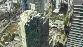 Rascacielos video aéreos Miami céntrica y Brickell Tirado con un abejón elevado en 4k almacen de video