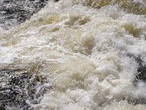 Rasendes Wasser Lizenzfreies Stockfoto