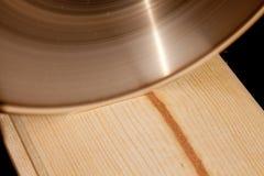 Rasgadura de la lámina de sierra Imagen de archivo libre de regalías