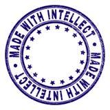 Rasguñado texturizado HIZO CON INTELECTO alrededor del sello del sello stock de ilustración