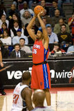Rasheed Wallace Holds The Ball Over hans huvud Arkivbilder